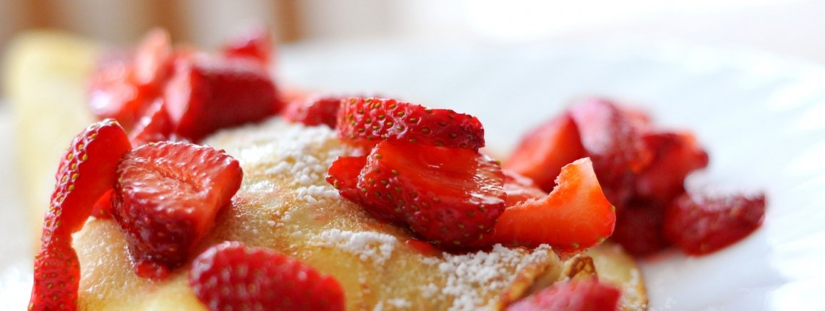 red-summer-fruits-pancakes_1156x436_acf_cropped