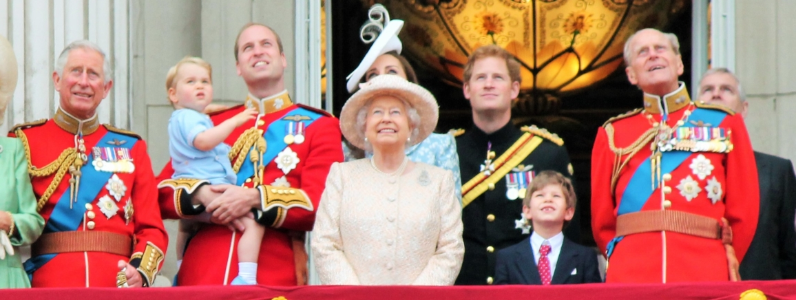 Royal-Family-on-the-balcony_1156x436_acf_cropped